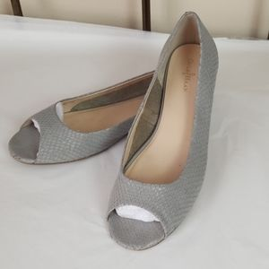 Coke Haan open toe flats 9.5